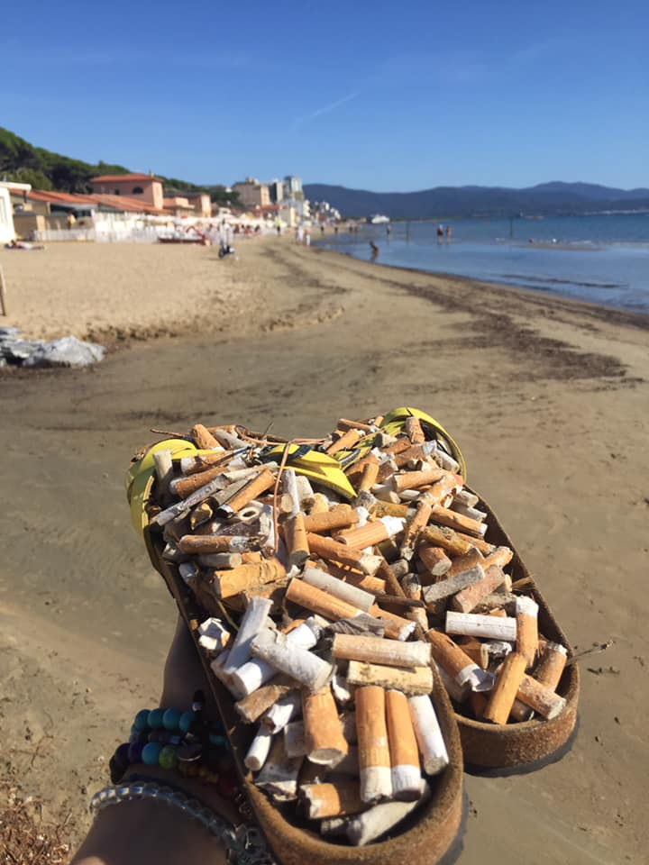 mozziconi in spiaggia pulizia